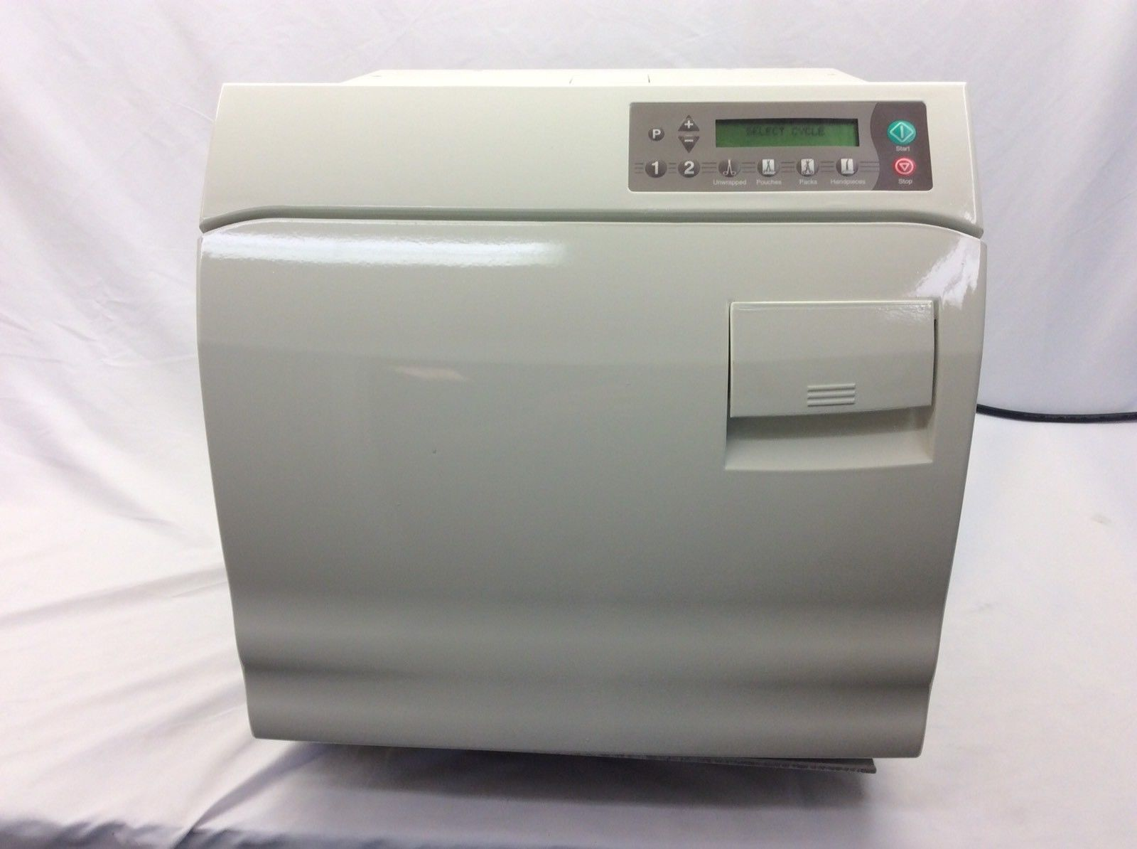 Article about daily and weekly maintenance on a Midmark M9 or Midmark M11 sterilizer autoclave.